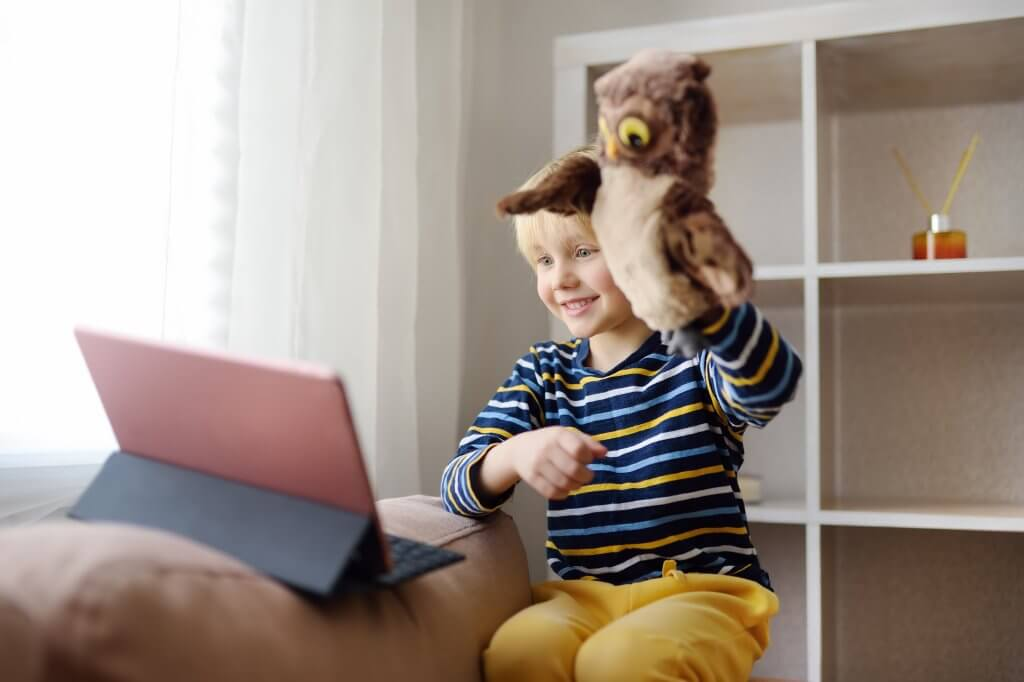 Keeping Kids Connected to Loved Ones Via Zoom and FaceTime