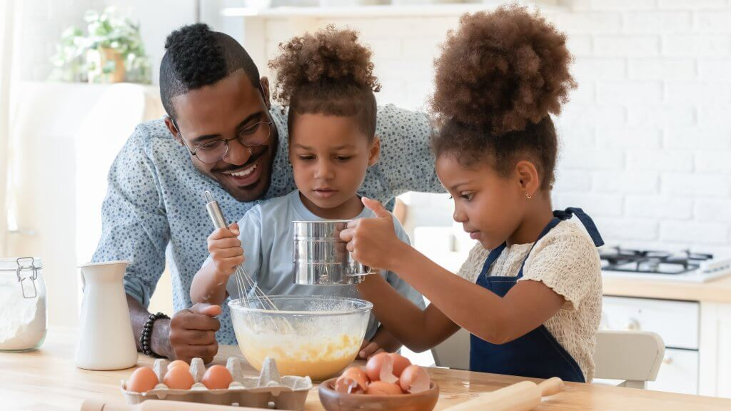 Easy Healthy—and Tasty—Treats to Make with Your Kids on the Fourth of July